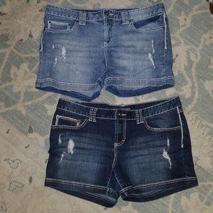 Maurice's destructed denim shorts size 11/12